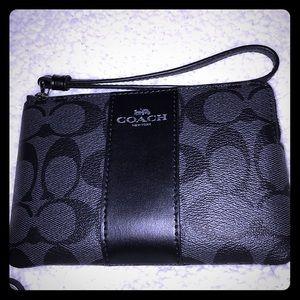 NWT Coach Corner Zip Wristlet Wallet Leather Black